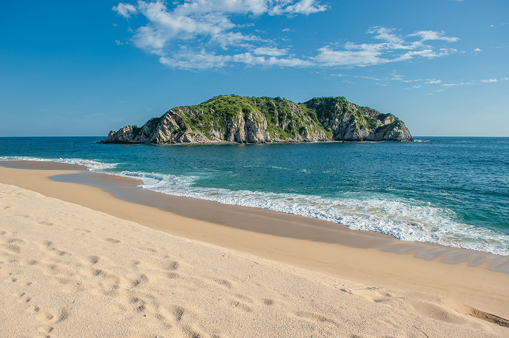 Cacaluta beach in Huatulco, Oaxaca, Mexico