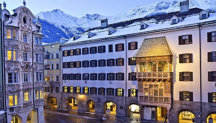 Vacaciones en Innsbruck, Tejadillo de Oro